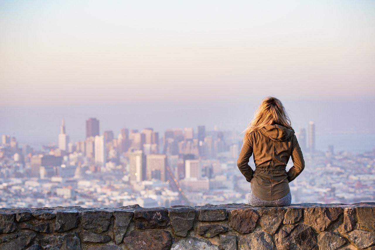 Dones i ciutats