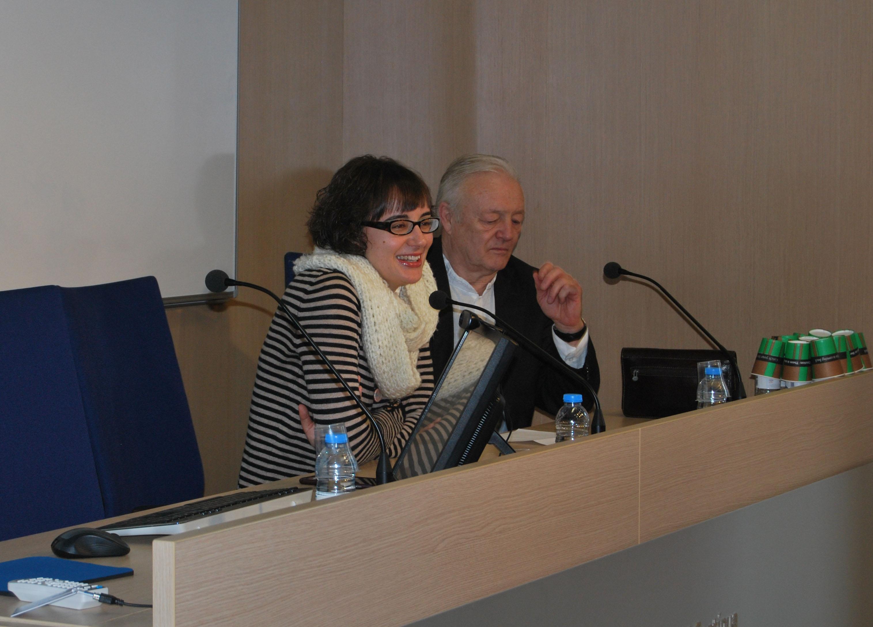 Mercedes Vidal, Regidora de Mobilitat de l'Ajuntament de Barcelona, dóna la benvinguda als assistents