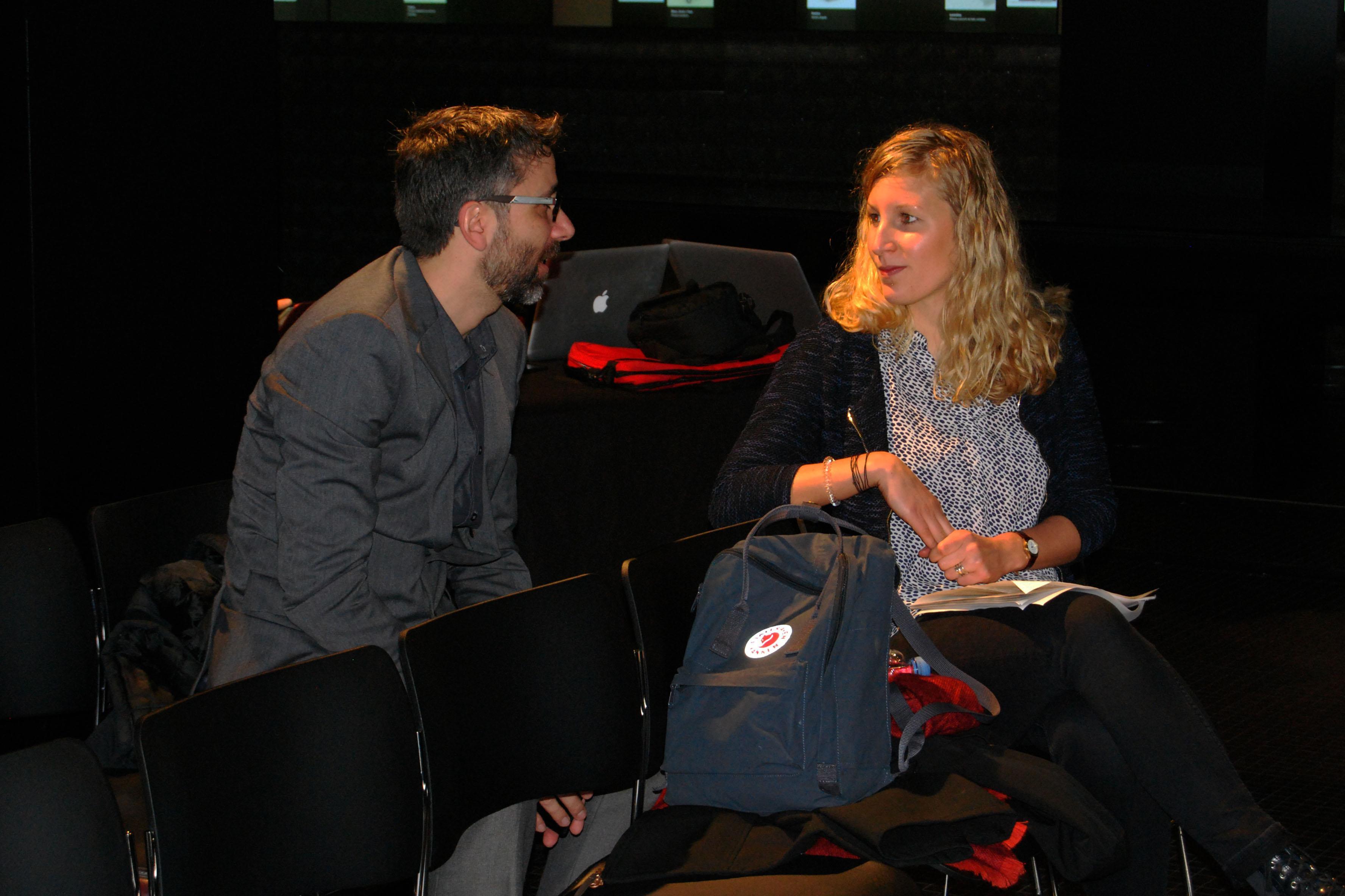 Natalie Mueller amb els assistents