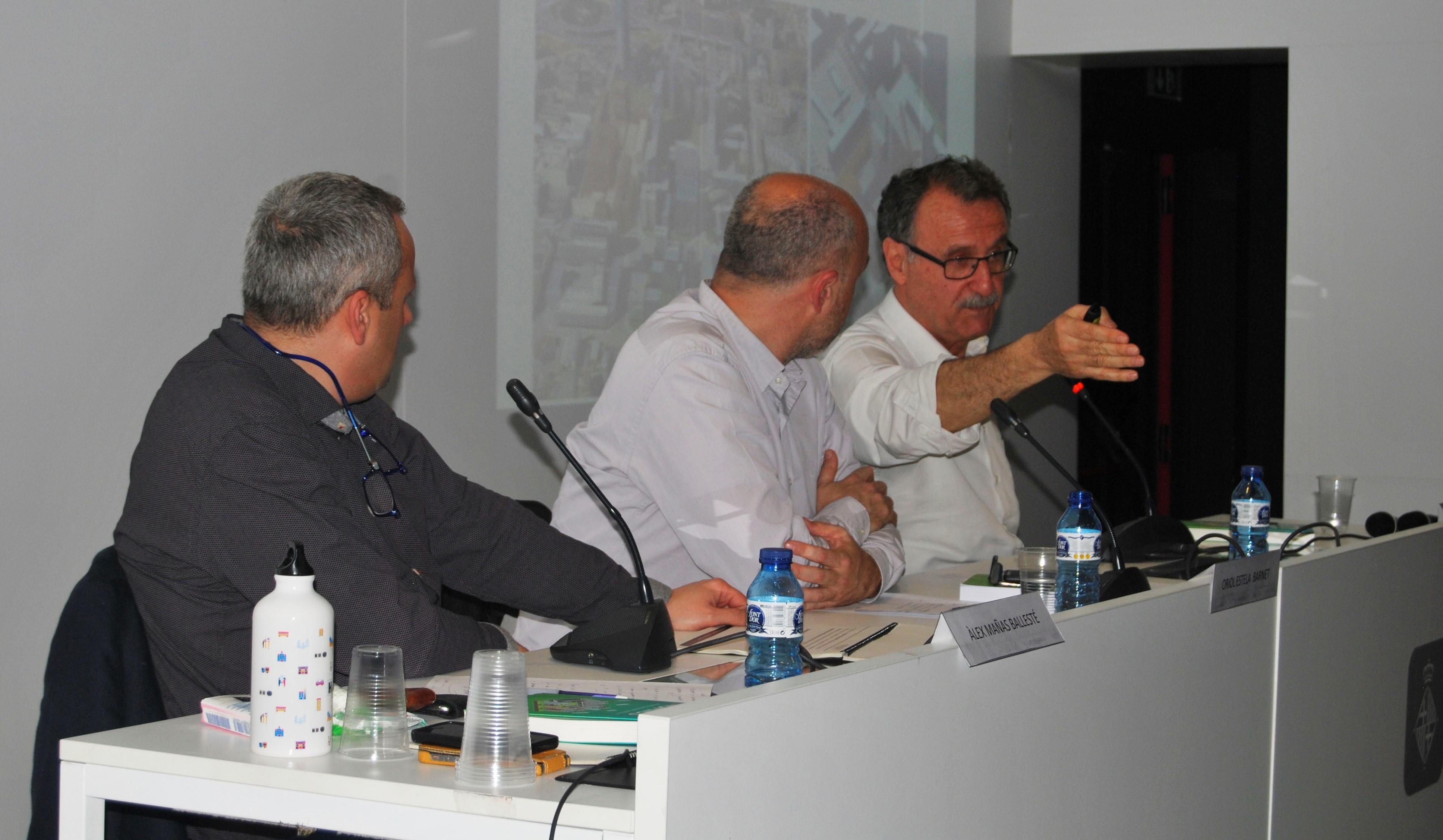 Álex Mañas, Oriol Estela Barnet i Miquel Barceló durant la presentació de Citynomics