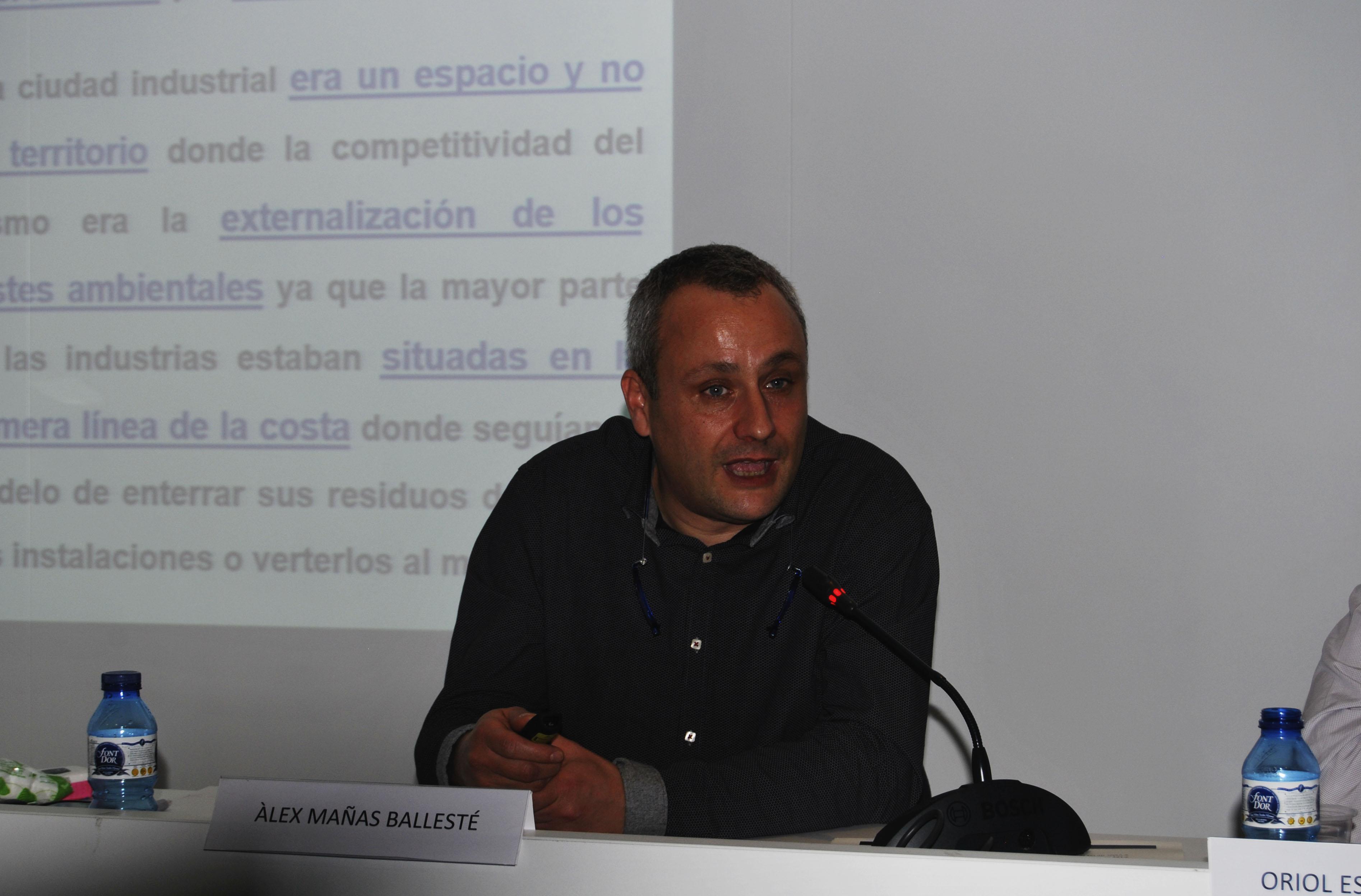 Álex Mañas explica el projecte actual a Badalona