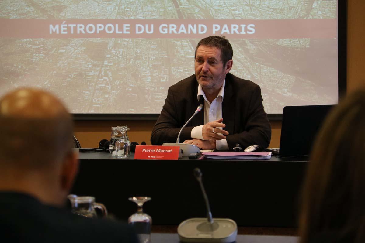 Pierre Mansat explica el procés de constitució de la Métropole du Grand Paris durant la trobada