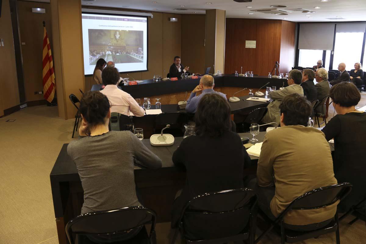 Pierre Mansat explica el proceso de constitución de la Métropole du Grand Paris durante el encuentro