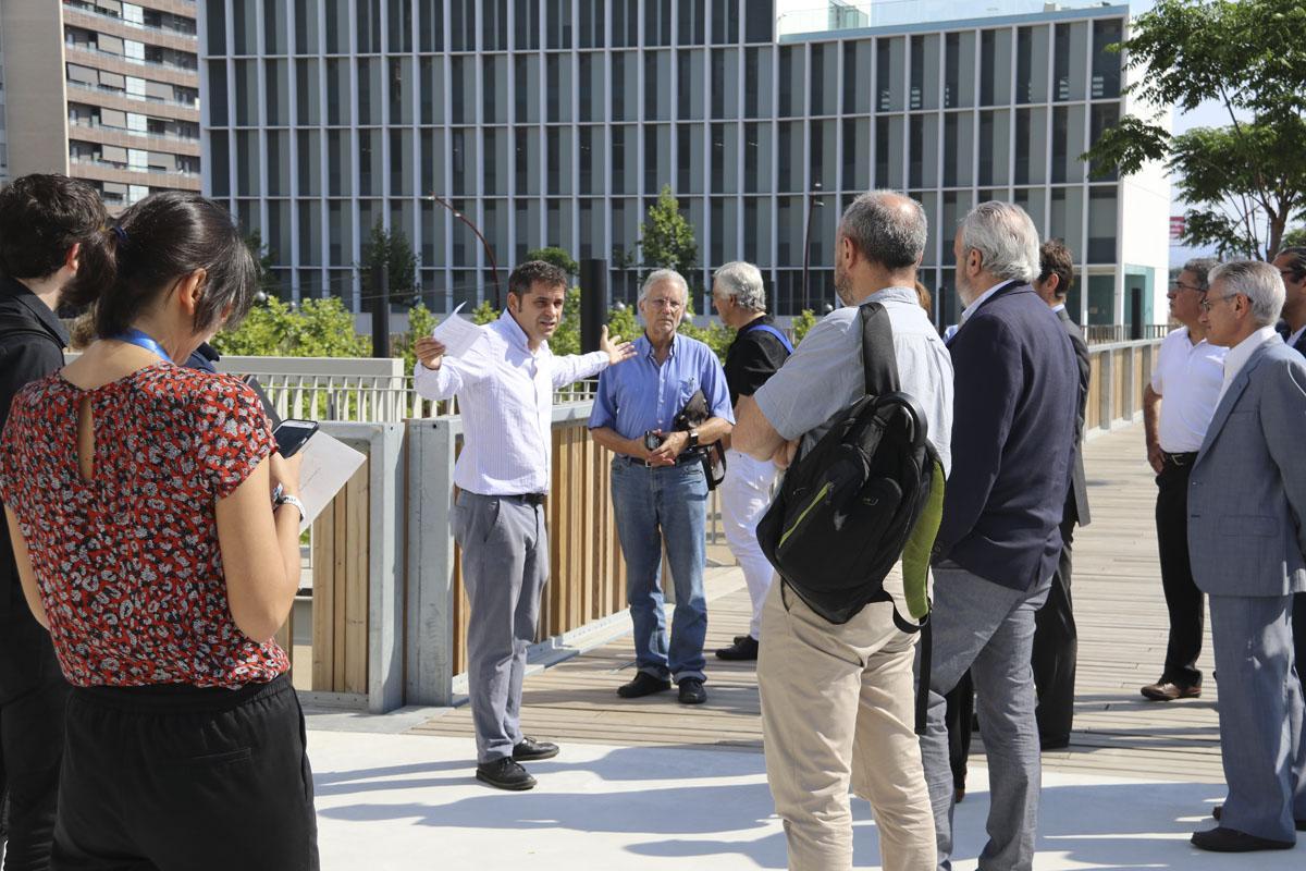 Jordi Bosch ensenya les instal·lacions del Campus Diagonal-Besòs