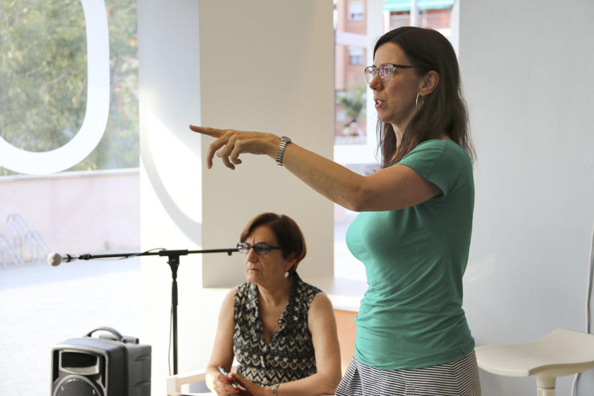 Carolina Costa durant La Metropolitana; Tertúlia amb espuma
