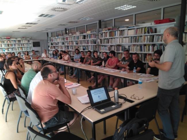 Oriol Estela Barnet durant la sessió plenària de l'IERMB