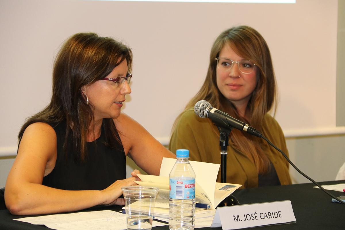 Maria J. Caride durant la seva intervenció