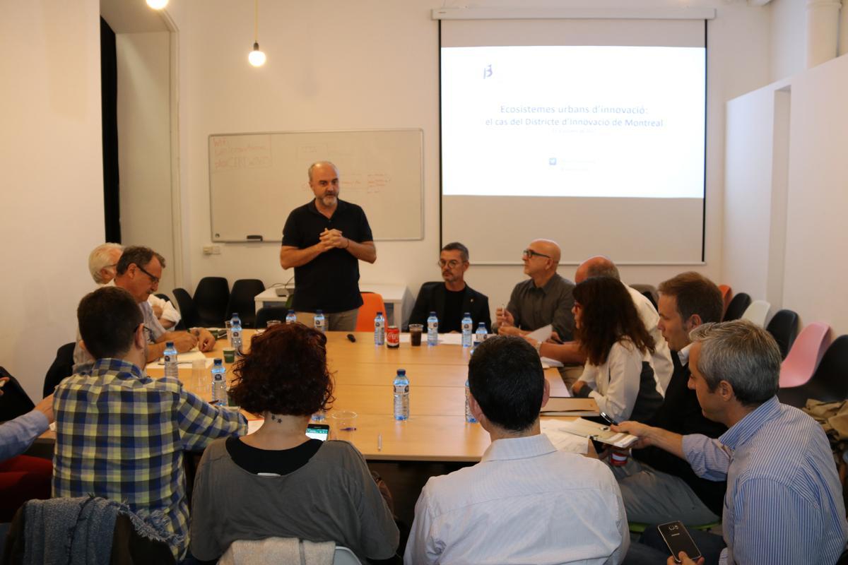 Oriol Estela Barnet dóna la benvinguda al dinar amb Damien Silès