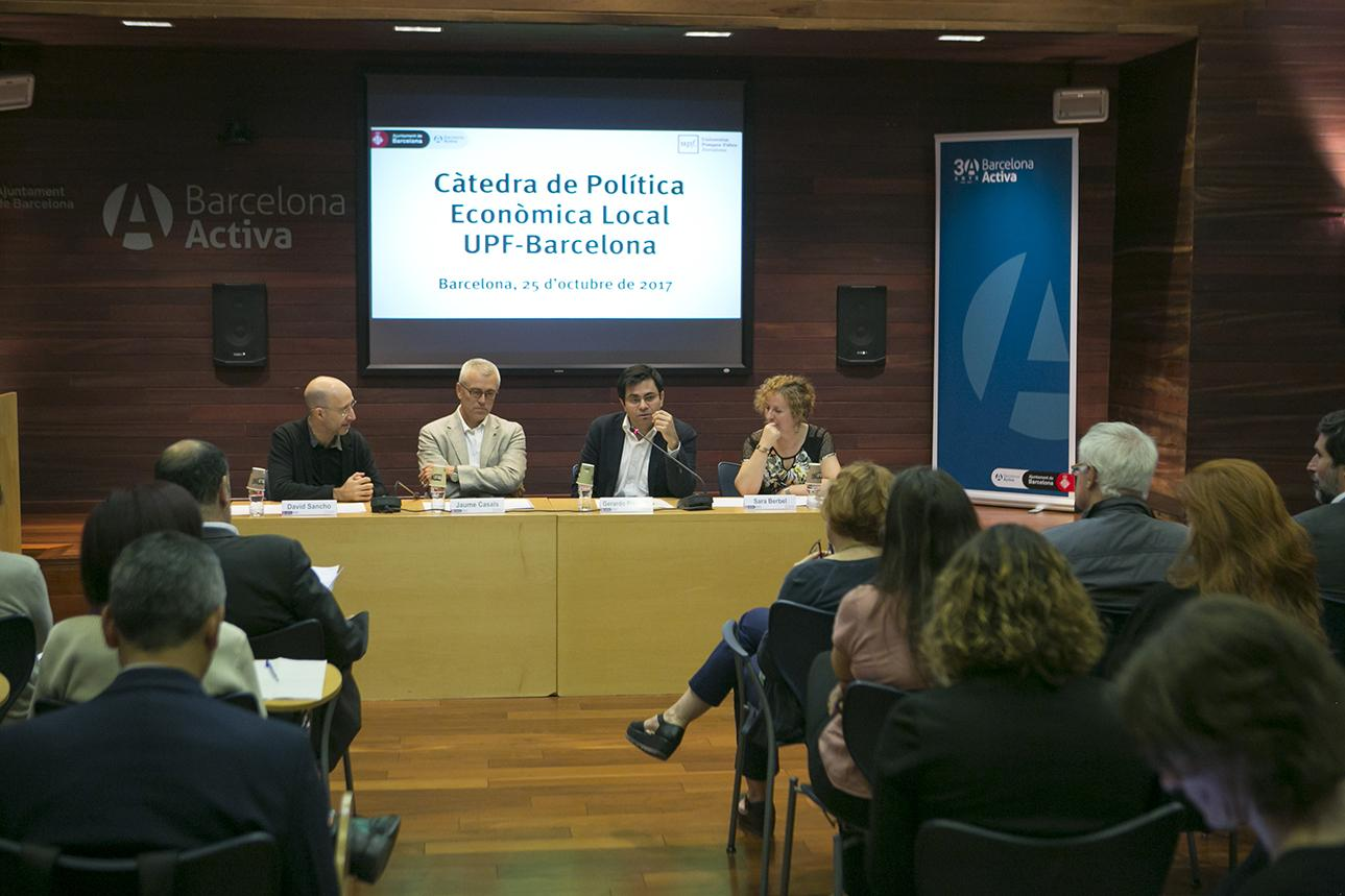 Mesa presidencial: David Sancho, Jaume Casals, Gerardo Pisarello y Sara Berbel