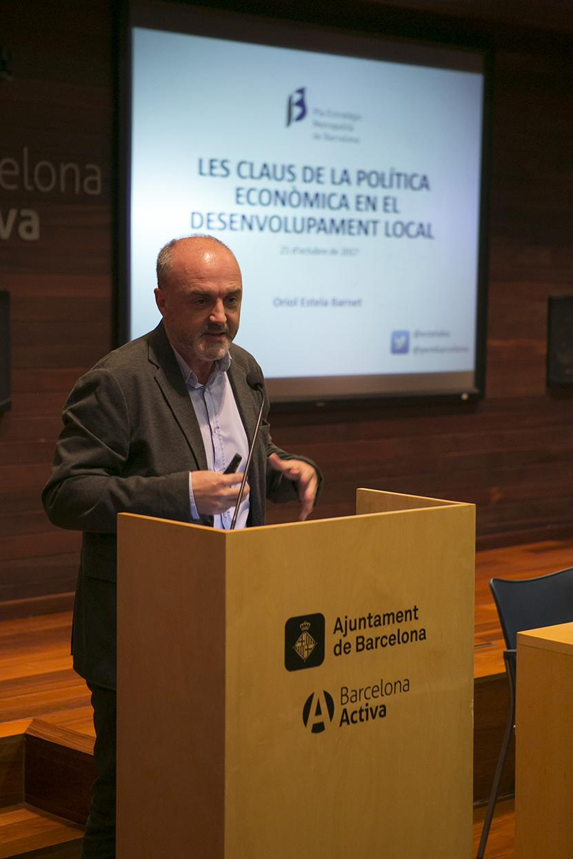 Conferència d'Oriol Estela durant la presentació de la Càtedra
