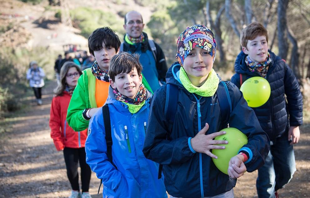 Caminata solidaria Magic Line