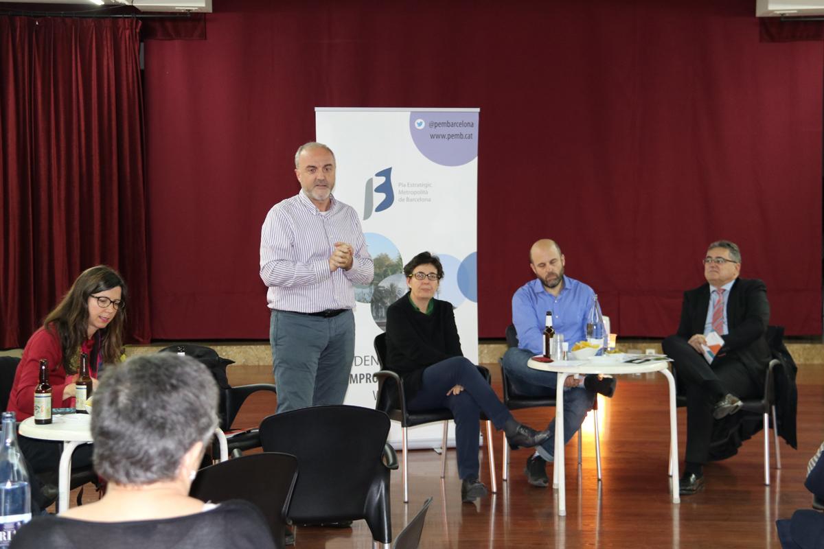 Oriol Estela Barnet dóna la benvinguda als assistents