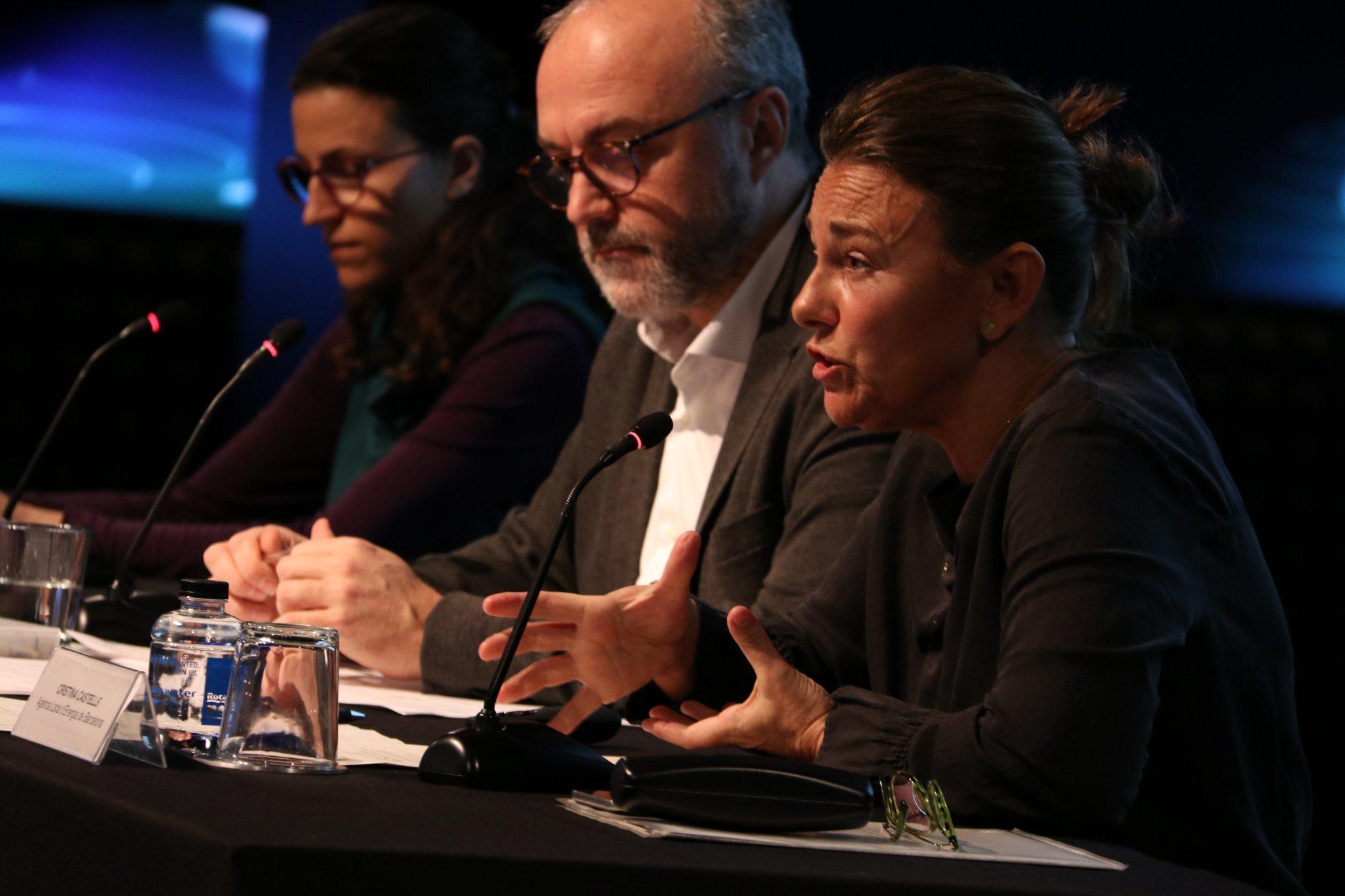Cristina Castells, Oriol Estela i Elisa Linares durant el 15è esmorzar estratègic del PEMB sobre energia