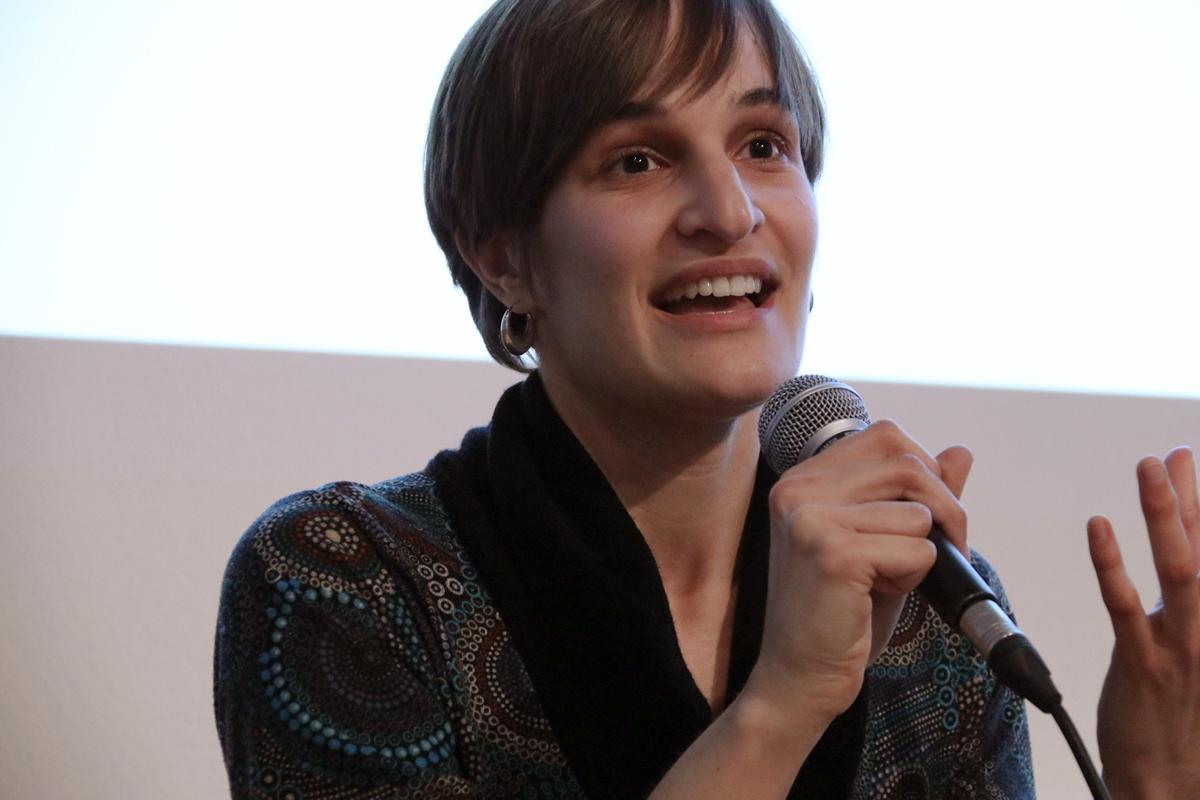 Anna Pérez durante el debate; 'El futuro no espera: ¿Llegaremos a tiempo?'