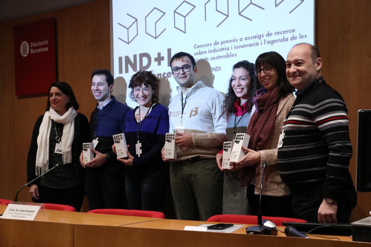 Las personas galardonadas con los premios IND I Science