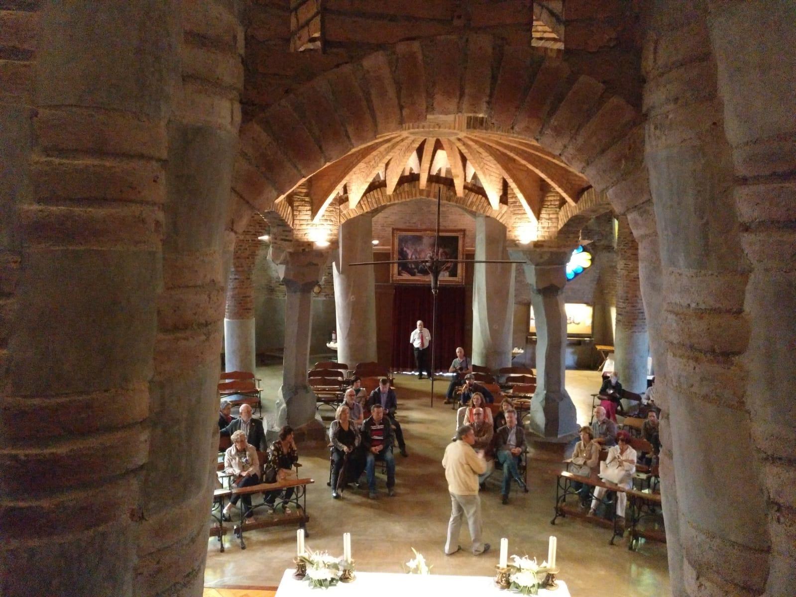 Visita a la Cripta Gaudí y a la Colonia Güell