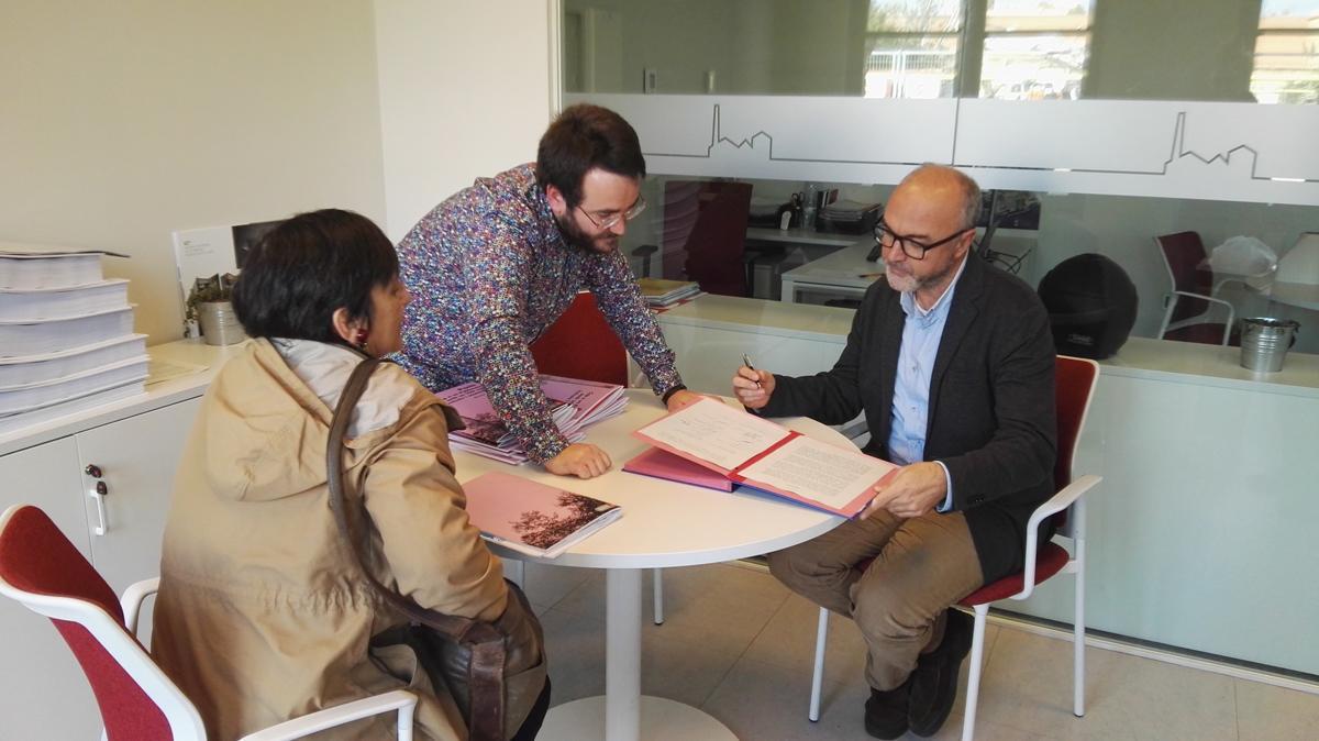 Signatura del Pacte 'Per un Poblenou amb un 22@ més inclusiu i sostenible'
