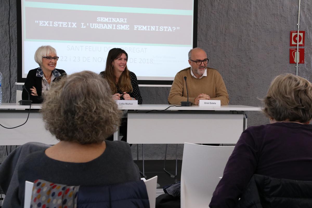 Conxita Sánchez, Lídia Muñoz i Oriol Estela obren el seminari: 'Existeix l'urbanisme feminista?'