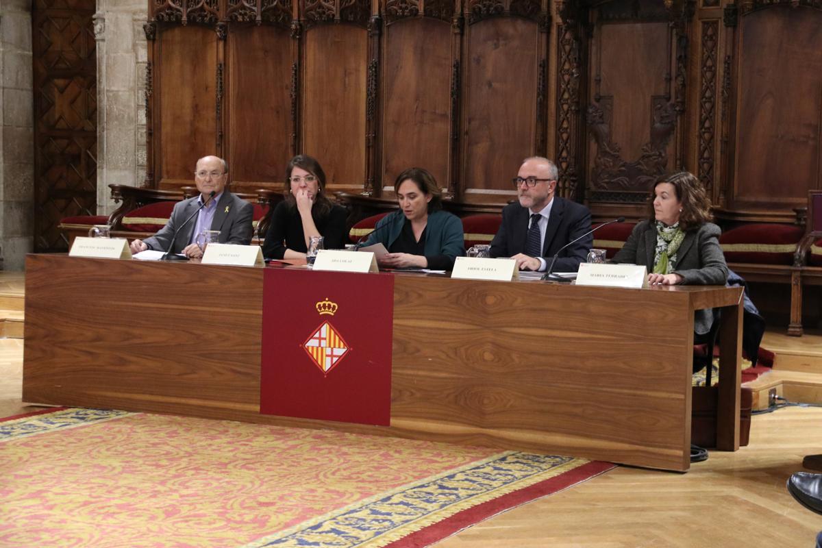Francesc Raventós, Janet Sanz, Ada Colau, Oriol Estela i Maria Terrades en l'acte de celebració dels 30 anys del PEMB