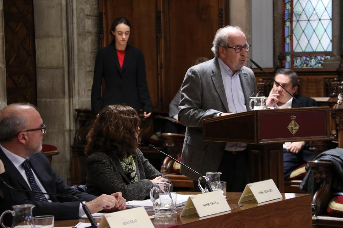 Joan Campreciós, excoordinador adjunt del PEMB, dedicant unes paraules a Francesc Santacana