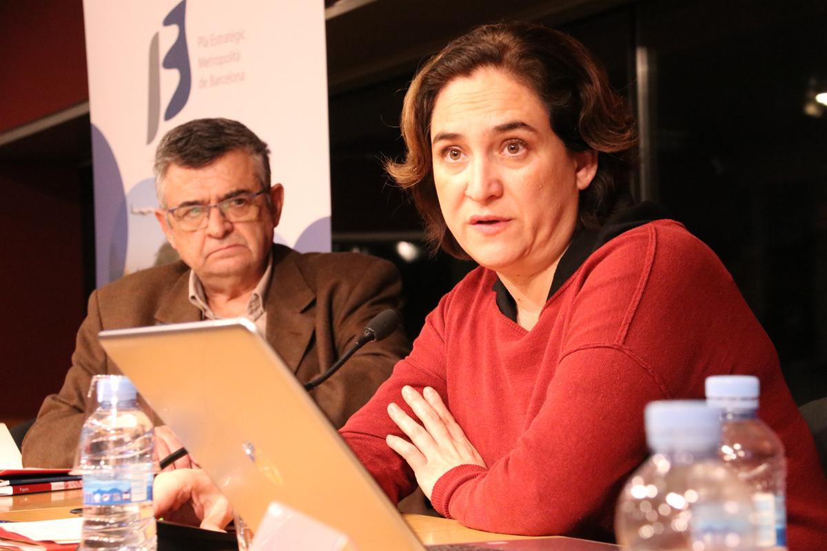 L'alcaldessa de Barcelona i presidenta de l'AMB i del PEMB, Ada Colau, tancant l?acte