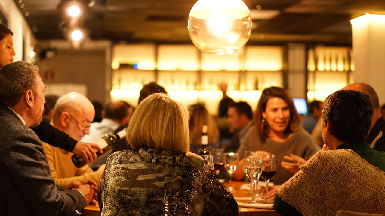 El Rescue Dinner ha reunit 80 comensals al restaurant Marimorena de Barcelona