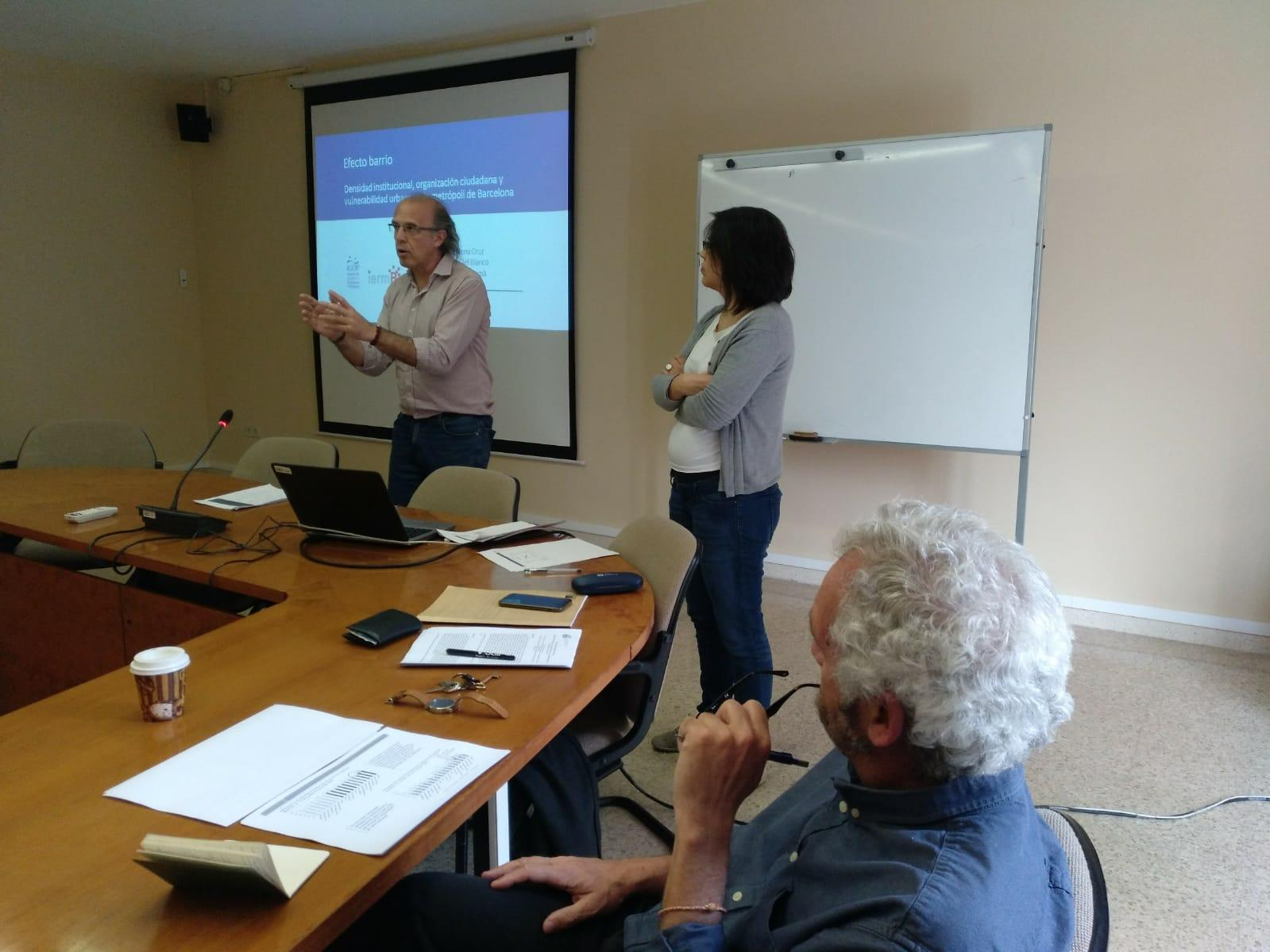 Ricard Gomà y Helena Cruz, del Instituto de Estudios Regionales y Metropolitanos de Barcelona, han presentado 'Asociacionismo ciudadano, capital social y segregación urbana'