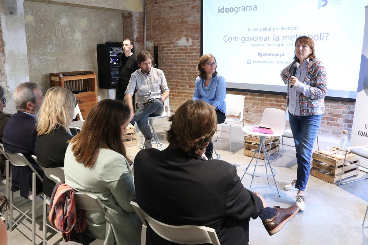 Mireia Belil i Mariona Tomàs, les dues expertes sobre governança, durant el debat