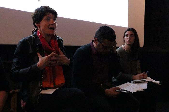 La investigadora de l'Institut de Ciència i Tecnologia Ambiental de a UAB, Isabelle Anguelovski, durant una de les seves intervencions