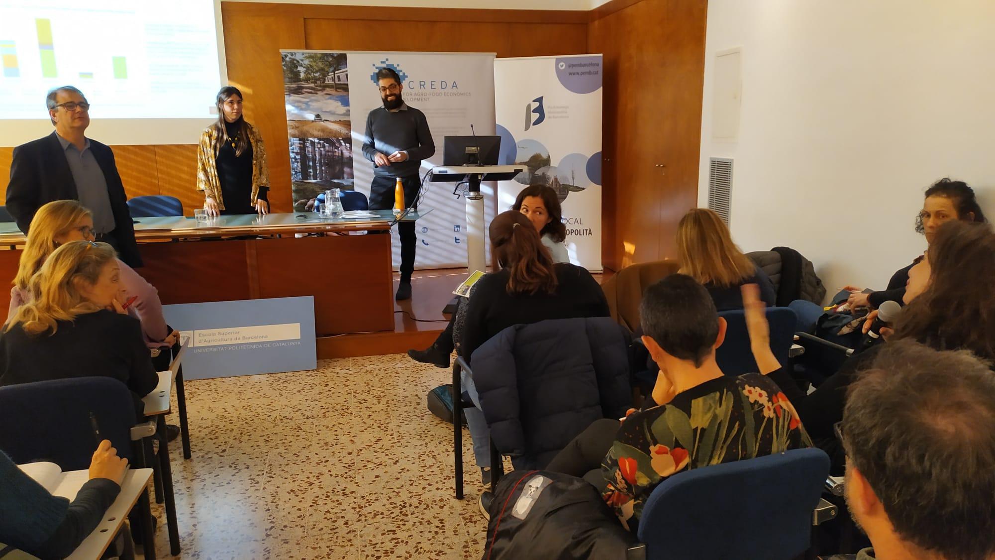 Berta Vidal, encarregada de l'estudi amb Fabio de Menna, de la Universitat de Bolonya, i José Maria Gil, director del CREDA