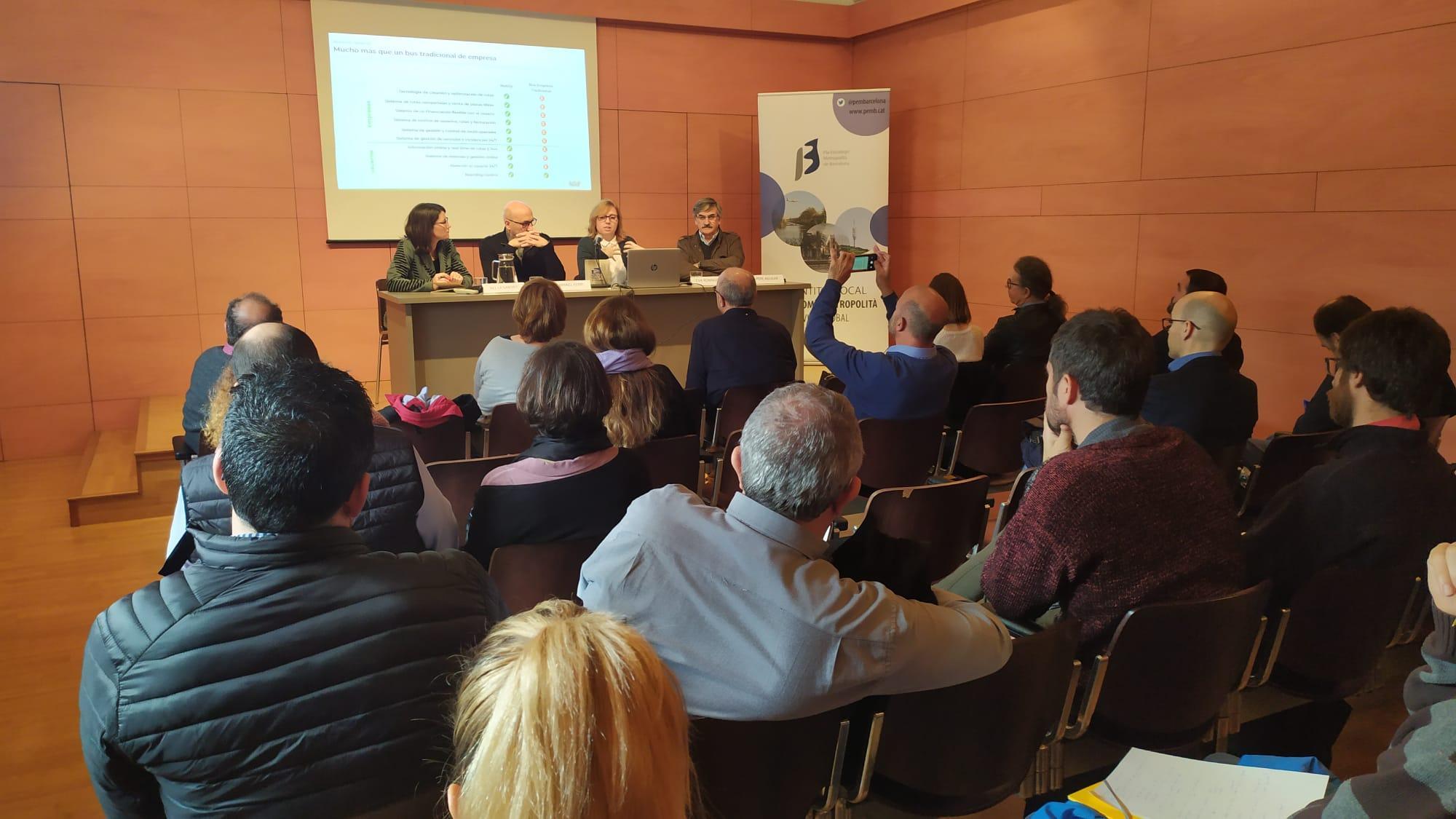 'Anar de casa a la feina, com abordar-ho al segle XXI', debat sobre mobilitat en el marc de la Mobile Week Barcelona. Parla Eva Romagosa de BusUp