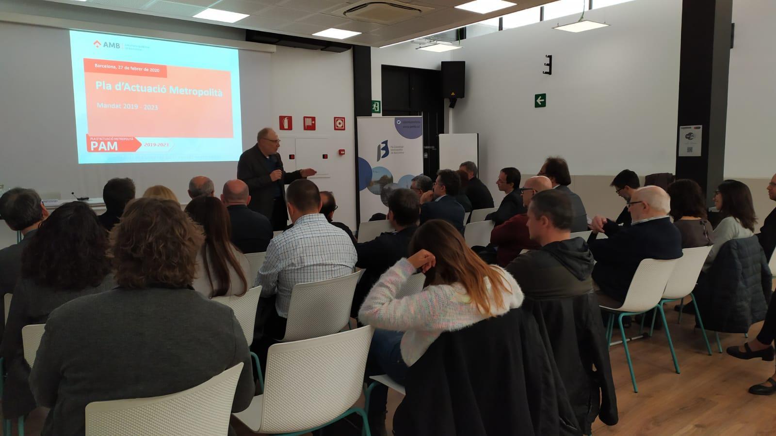 Héctor Santcovsky, director de l'Àrea de Desenvolupament Social i Econòmic presentant el PAM 2019-2023