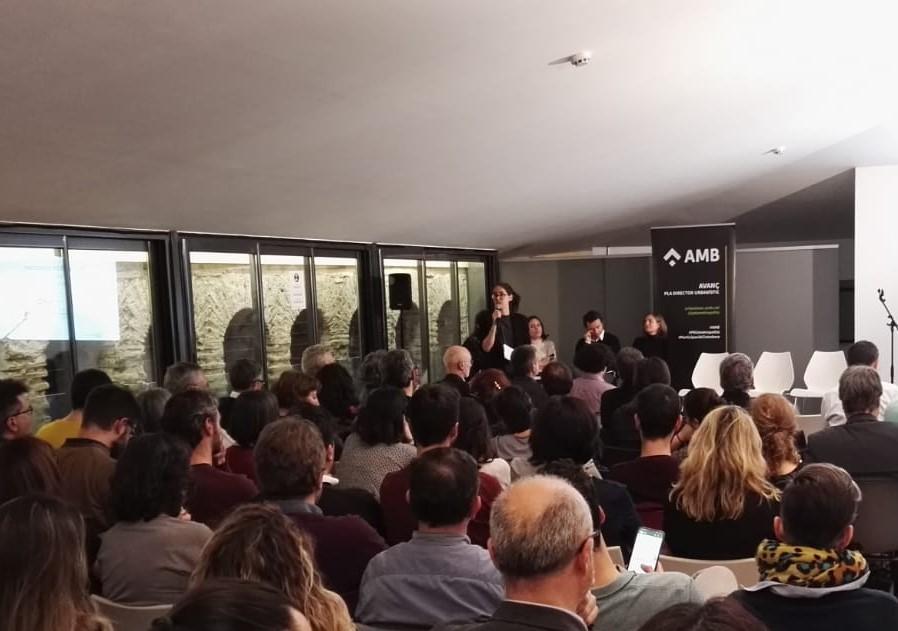 Irene Navarro, coordinadora del gabinet tècnic del PEMB, exposa els resultats de la col·laboració sobre l'Avanç del PDU Metropolità
