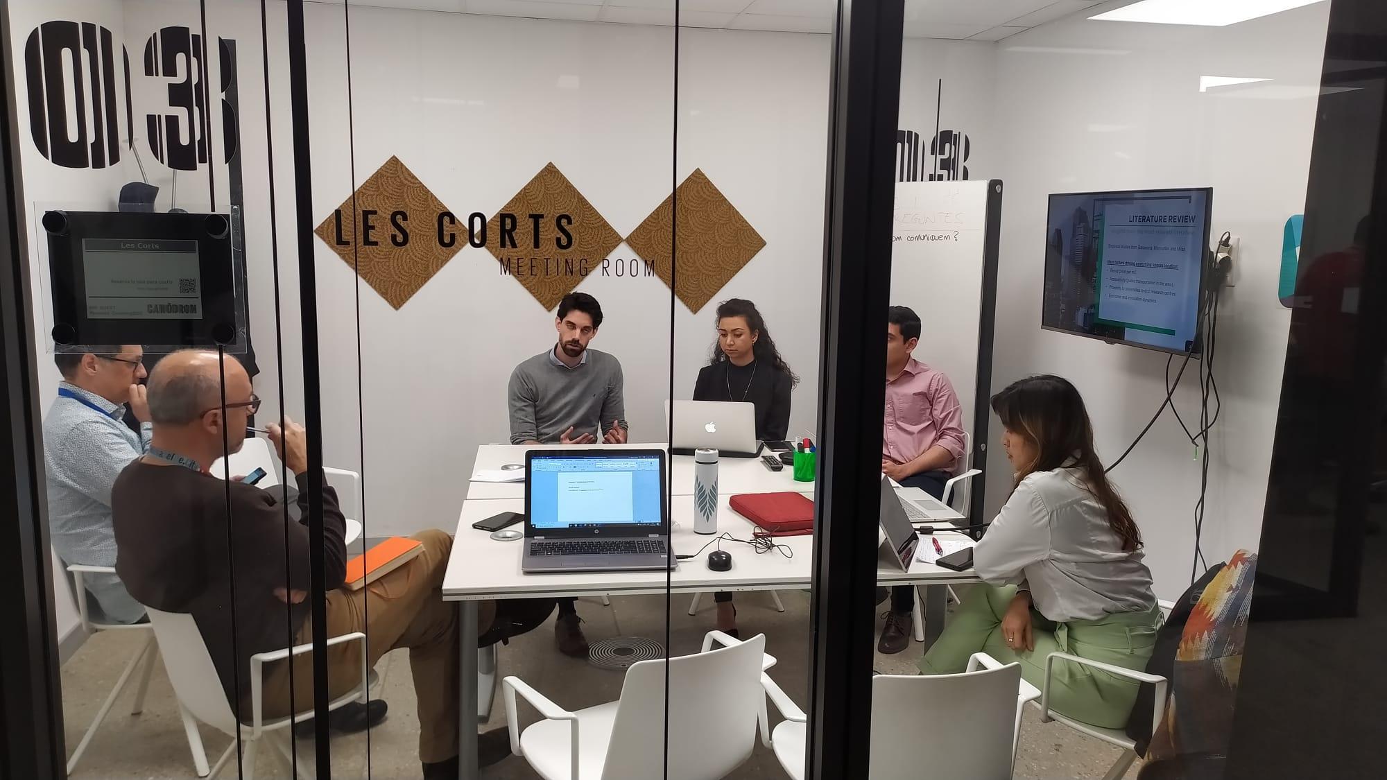 Presentació de l'estudi 'Emergence of coworking spaces in Barcelona' al Canòdrom Parc de Recerca Creativa
