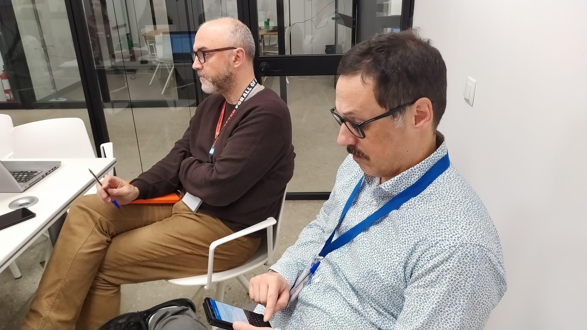 El coordinador general i el secretari tècnic del PEMB durant la presentació de l'estudi